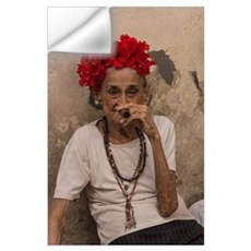 Old lady smoking cuban cigar in Havana Wall Decal