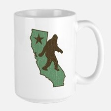 California Bigfoot (vintage distressed look) Mugs