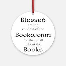 Book worm love Round Ornament