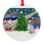 XmasMagic/ English Setter Round Ornament