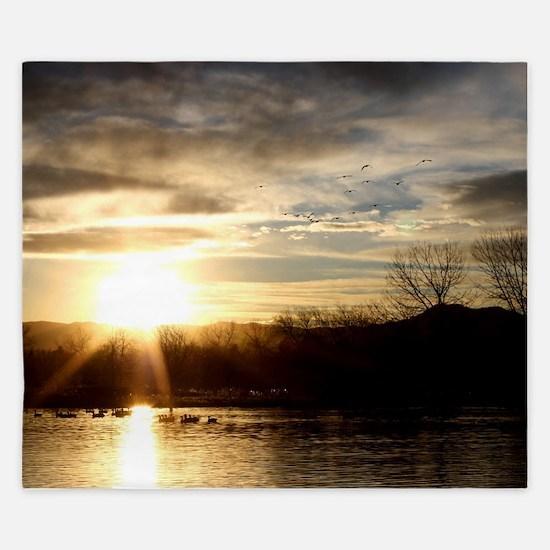 SETTING SUN AT LAKE King Duvet