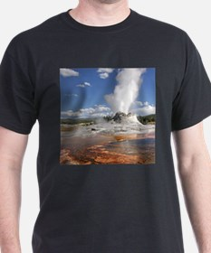 YELLOWSTONE CASTLE GEYSER T-Shirt