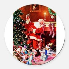 Santa Claus Decorates the Chirstm Round Car Magnet