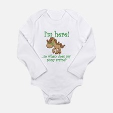 Cute When a baby is born so is a grandma Long Sleeve Infant Bodysuit