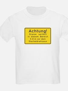 Achtung! Grenze verläuft, Cold War Berlin T-Shirt