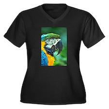 Colorful macaw parrot Plus Size T-Shirt