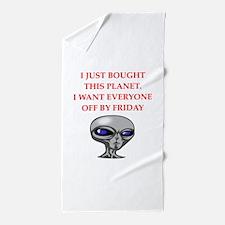 alien invasion Beach Towel