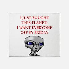 alien invasion Throw Blanket