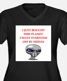 alien invasion Plus Size T-Shirt