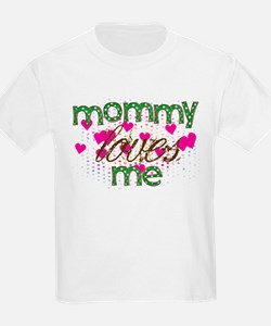 Cute Mommy loves me T-Shirt