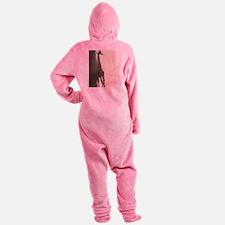 Mignon Giraffe Silhouette Samantha' Footed Pajamas