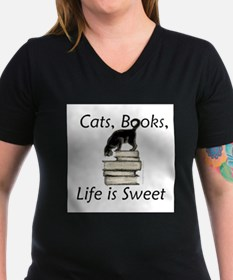 Cute Cat on books Shirt