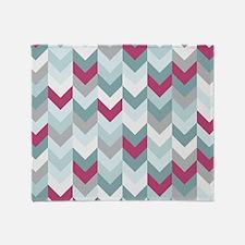 Chevron pattern seamless vector arro Throw Blanket