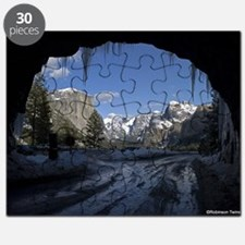 Yosemite's famous Tunnel View from the actu Puzzle