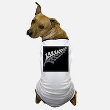 New Silver fern tattoo on black New Ze Dog T-Shirt