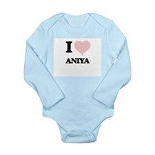 I love Aniya (heart made from words) des Body Suit