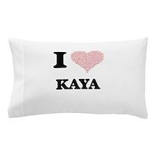 I love Kaya (heart made from words) de Pillow Case
