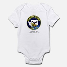 Daddy sails with the HMJ Gold Infant Bodysuit