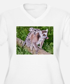 RING TAILED LEMUR MOTHER AND BAB Plus Size T-Shirt