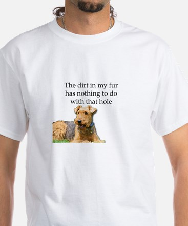 Airedale Sees no connection between his ho T-Shirt
