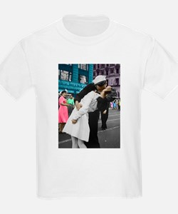 The WWII Kiss T-Shirt