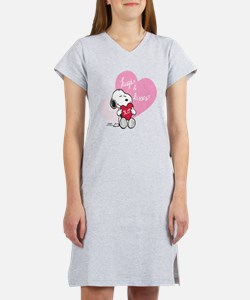Snoopy - Hugs and Kisses Women's Nightshirt