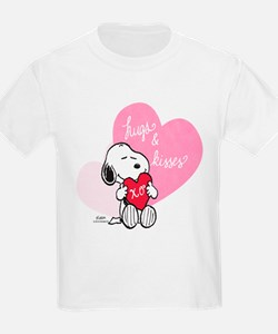Snoopy - Hugs and Kisses T-Shirt