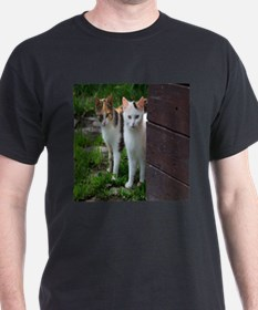 2 cats that love you T-Shirt