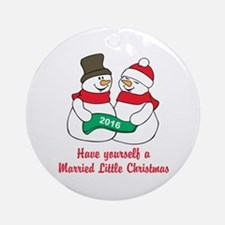 2016 Newlywed Christmas Round Ornament
