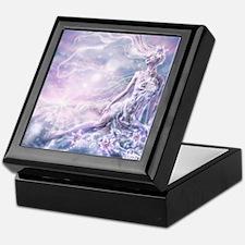 Sparkling Dream Queen Keepsake Box