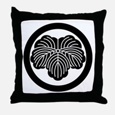 Ivy leaf in circle Throw Pillow