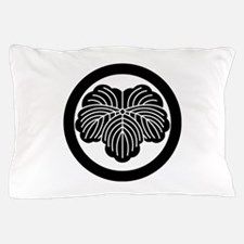 Ivy leaf in circle Pillow Case