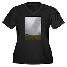 Old Faithful Geyser Yellowstone Plus Size T-Shirt