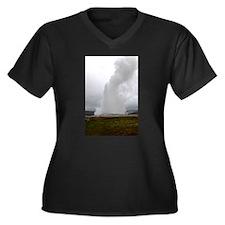 Old Faithful Geyser Plus Size T-Shirt