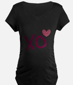 Xo hearts (pink) for Valentine's Day Maternity T-S