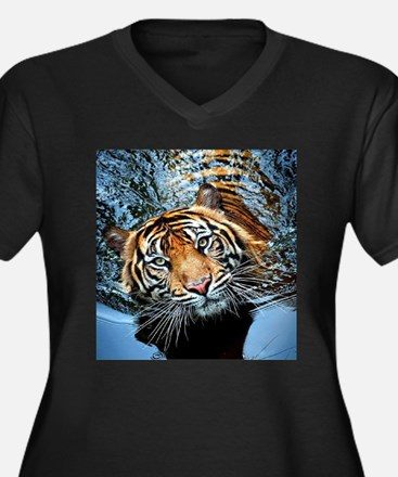Tiger in Water Plus Size T-Shirt