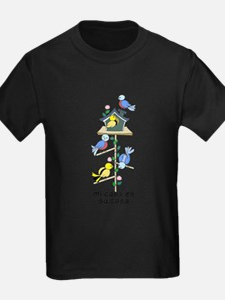 Colorful Bird Houses and Birds Spanish Lan T-Shirt