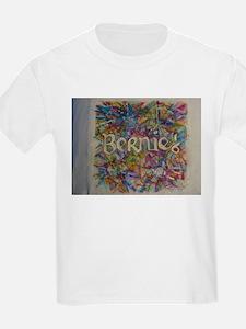 bernie 16 hippy 2 T-Shirt