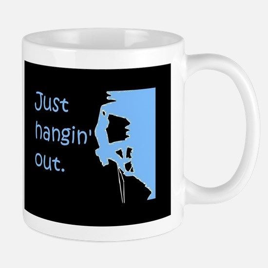Just hangin' out - black-blue Mugs