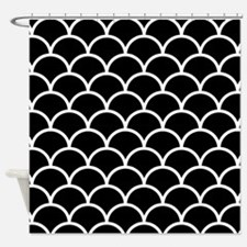 Black and White Scallop Pattern Shower Curtain