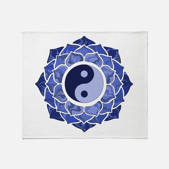 L-YY-Blu Throw Blanket