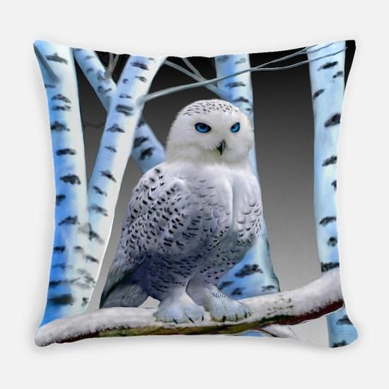 BLUE-EYED SNOW OWL Everyday Pillow