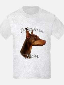 Dobie Mom2 T-Shirt