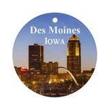 Des moines iowa christmas Round Ornaments