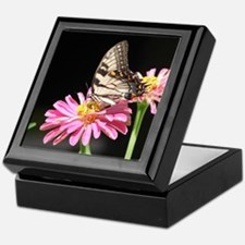 Butterfly on Zinnia Hardwood Keepsake Box