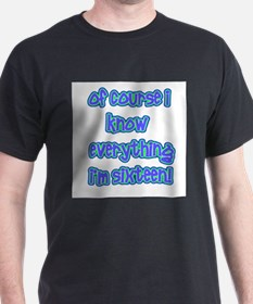 Knows everything T-Shirt