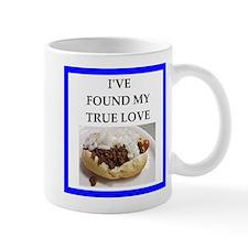 chili dog Mugs