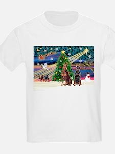 XmasMagic/2 Dobies (P3) T-Shirt