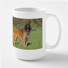 leonberger full Mugs
