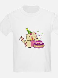 Unique Poppy cat T-Shirt